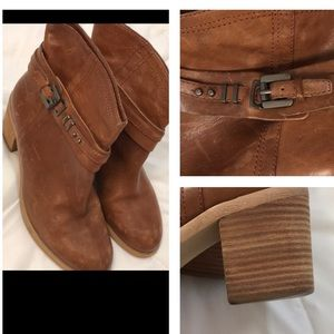 Boutique 9 boots size 8
